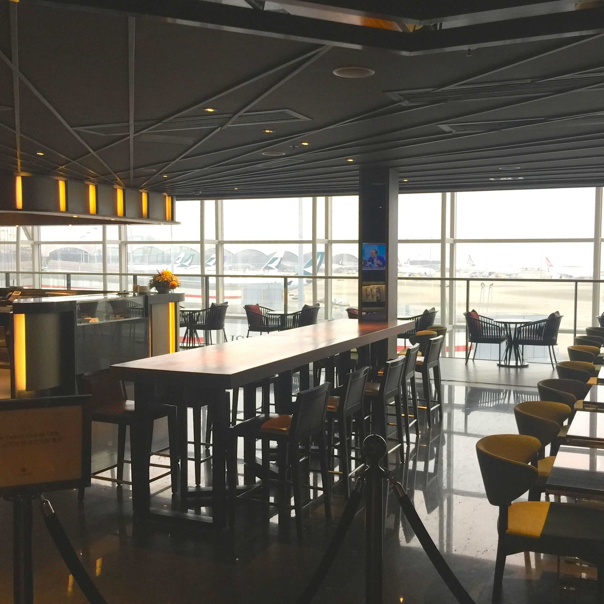 香港機場西翼 Plaza Premium Lounge:搭廉航都能進的貴賓室